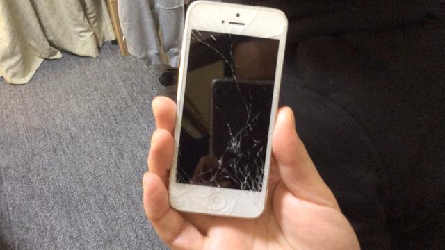iPhoneの前面ガラスに脆弱性発覚!!!?